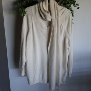 Beautiful Sweater with detachable Scarf 22/24